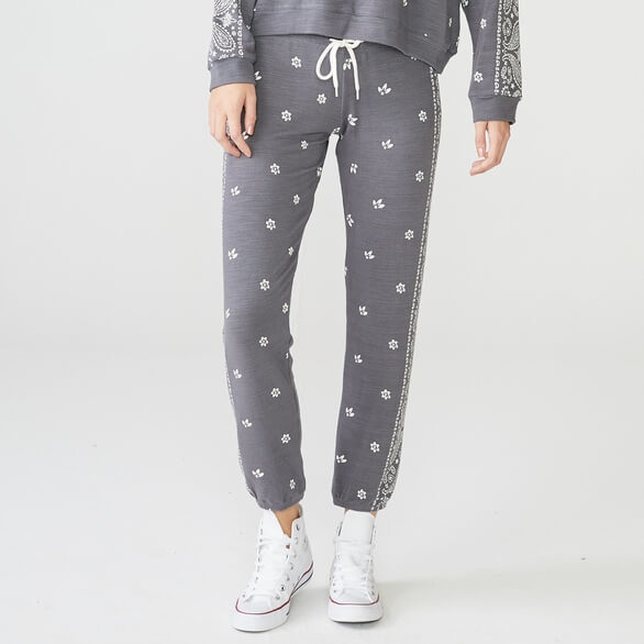 Monrow Supersoft Bandana Print Sweats