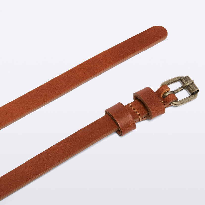 Leather Skinny Belt in Natural Tan