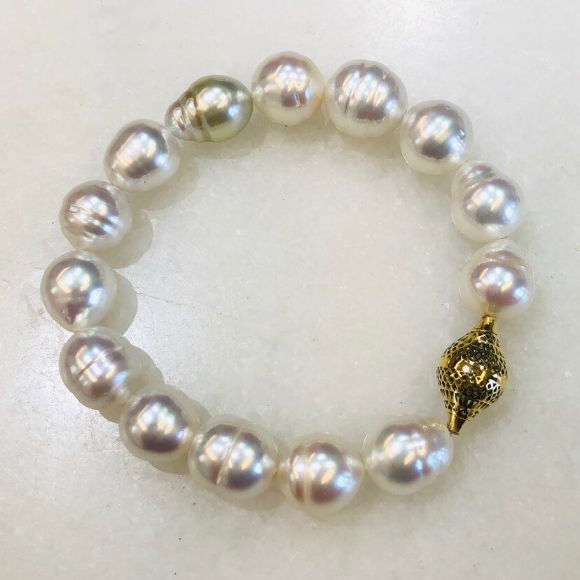 South Sea Pearl Stretch Bracelet with 18K Gold Finial